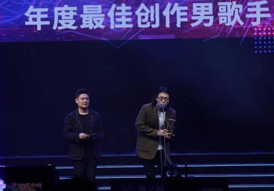 "TOP榜完美落幕 许钧斩获""年度最佳创作男歌手"""