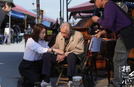 秦海璐《拂乡心》获金爵奖最佳男演员 96岁常枫