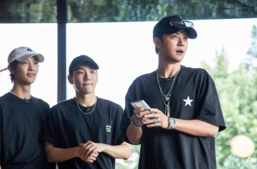 《极限挑战5》公益演唱会开唱 黄渤全力备战直言紧张