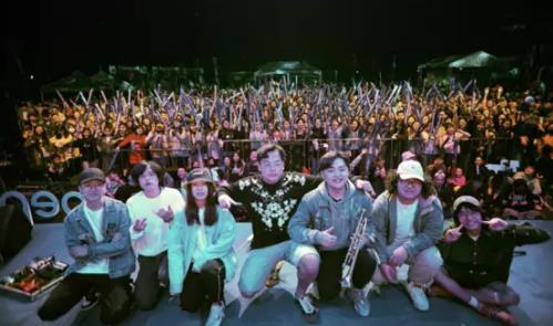 ZING廠牌簽約二區六樓樂隊|站在年輕人中間