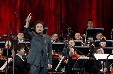 李双江从艺从教60周年音乐会举行 梦鸽同台献唱